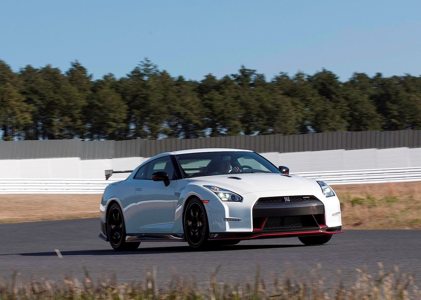 nissan gtr r35 nismo hp future cars release date. Black Bedroom Furniture Sets. Home Design Ideas