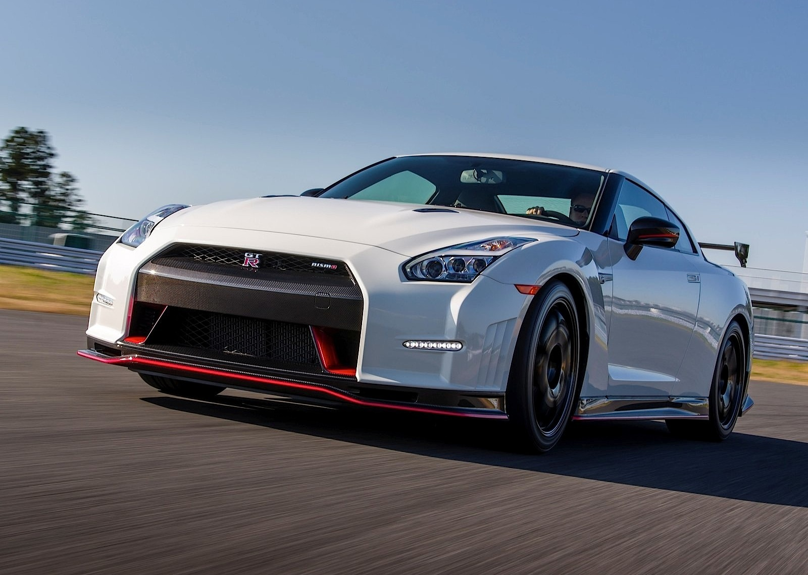 nissan gt r r35 nismo 2014 2015 2016 autoevolution. Black Bedroom Furniture Sets. Home Design Ideas