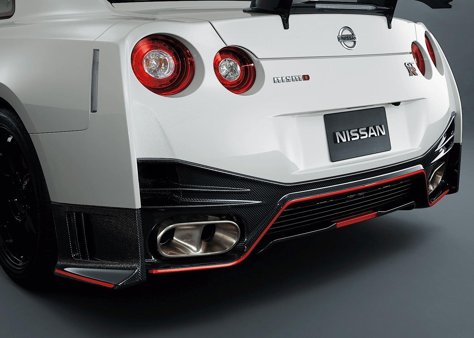 Nissan-gt-r--r35--nismo-5327_75