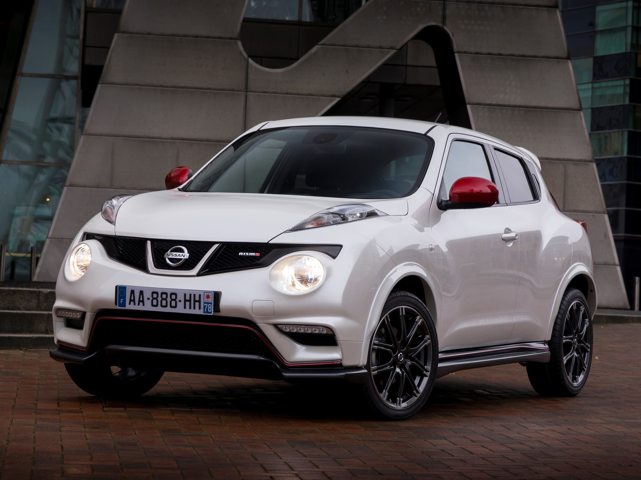 nissan juke nismo specs 2013 2014 2015 2016 2017 2018 autoevolution. Black Bedroom Furniture Sets. Home Design Ideas