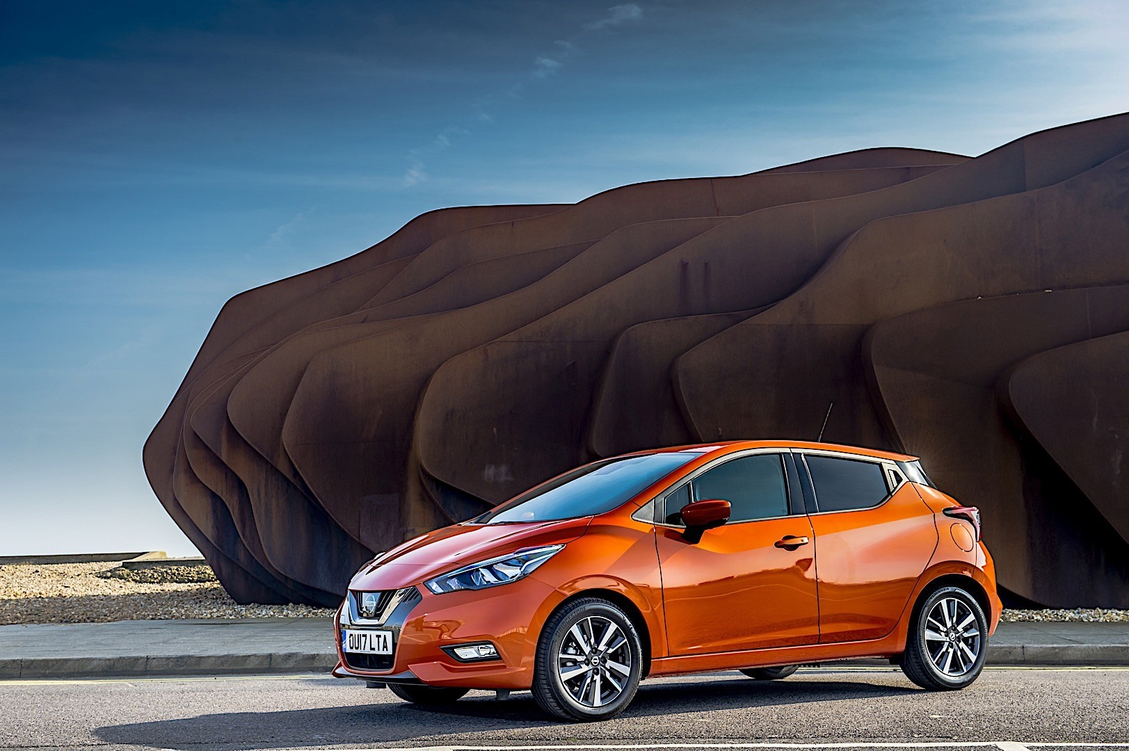 NISSAN Micra 5 Doors specs & photos - 2017, 2018 ...