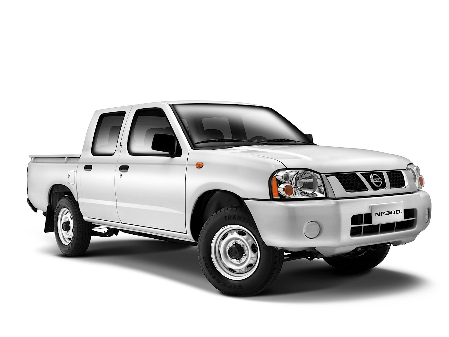 nissan np300 pickup double cab 2008 2009 2010 2011. Black Bedroom Furniture Sets. Home Design Ideas