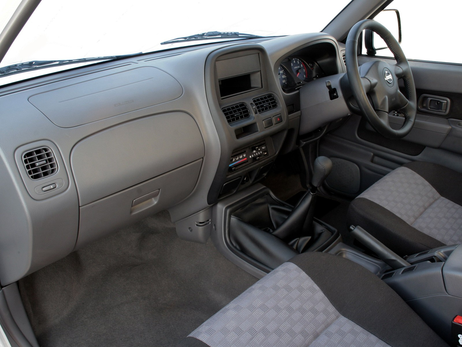 NISSAN NP300 Pickup Single Cab specs & photos - 2008, 2009
