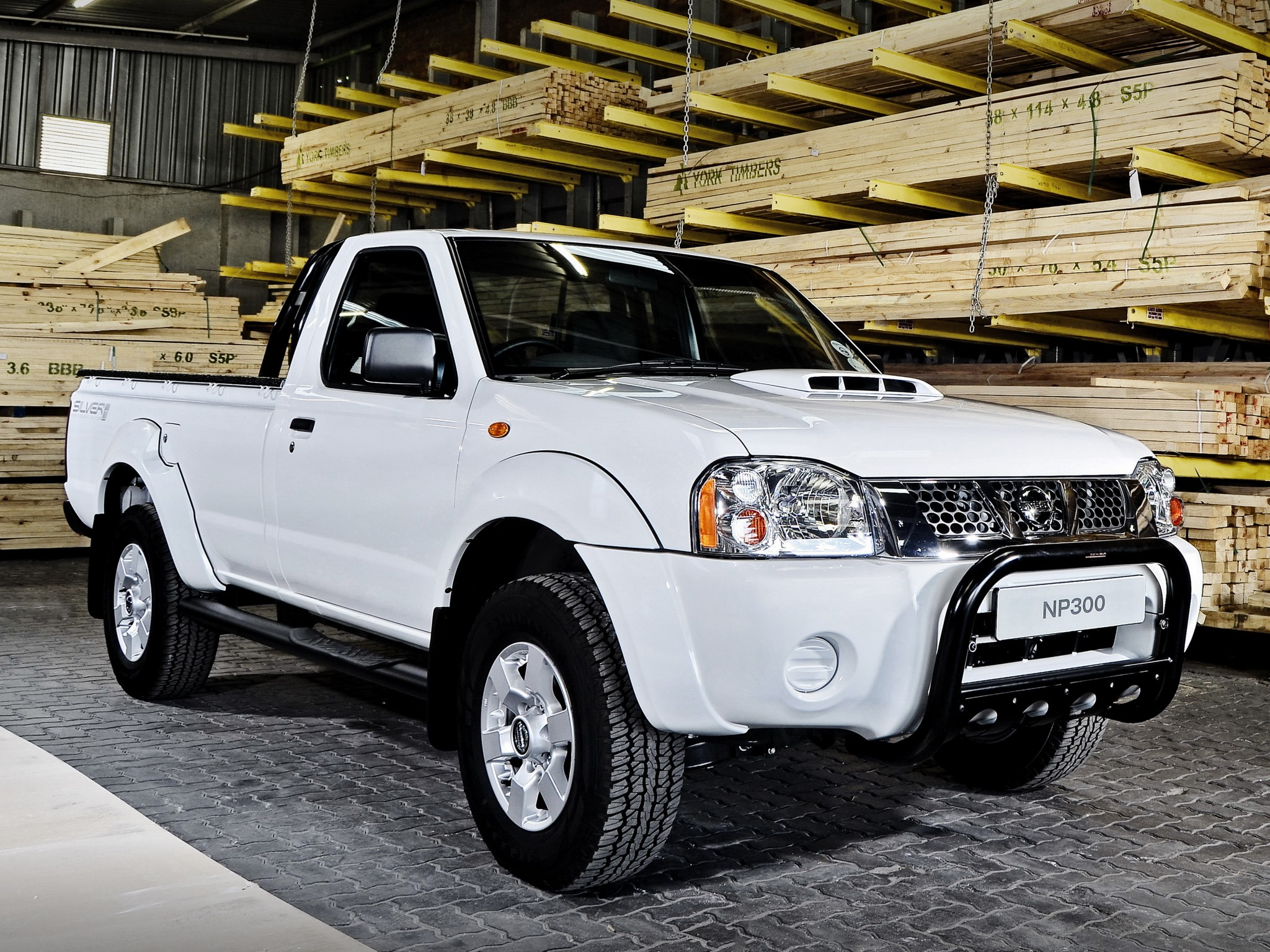 NISSAN NP300 Pickup Single Cab specs & photos - 2008, 2009, 2010, 2011, 2012, 2013, 2014, 2015 ...