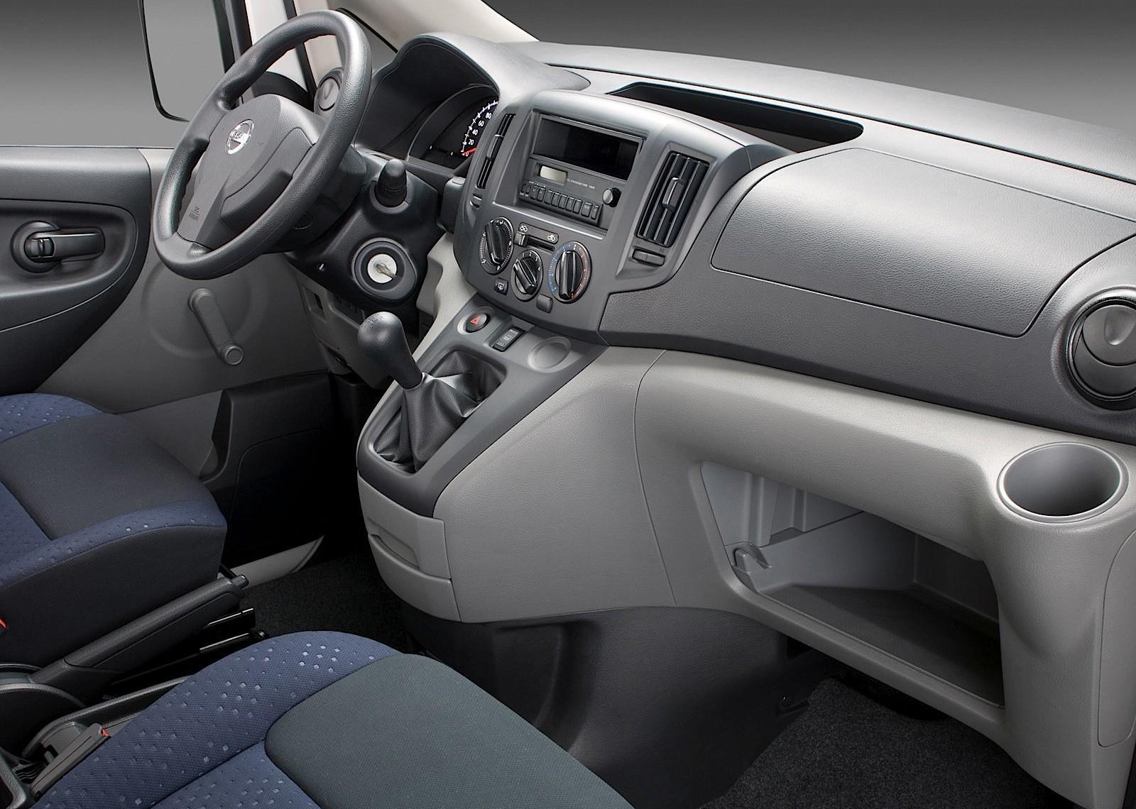Nissan Nv Passenger >> NISSAN NV200 specs & photos - 2009, 2010, 2011, 2012, 2013, 2014, 2015, 2016, 2017, 2018 ...
