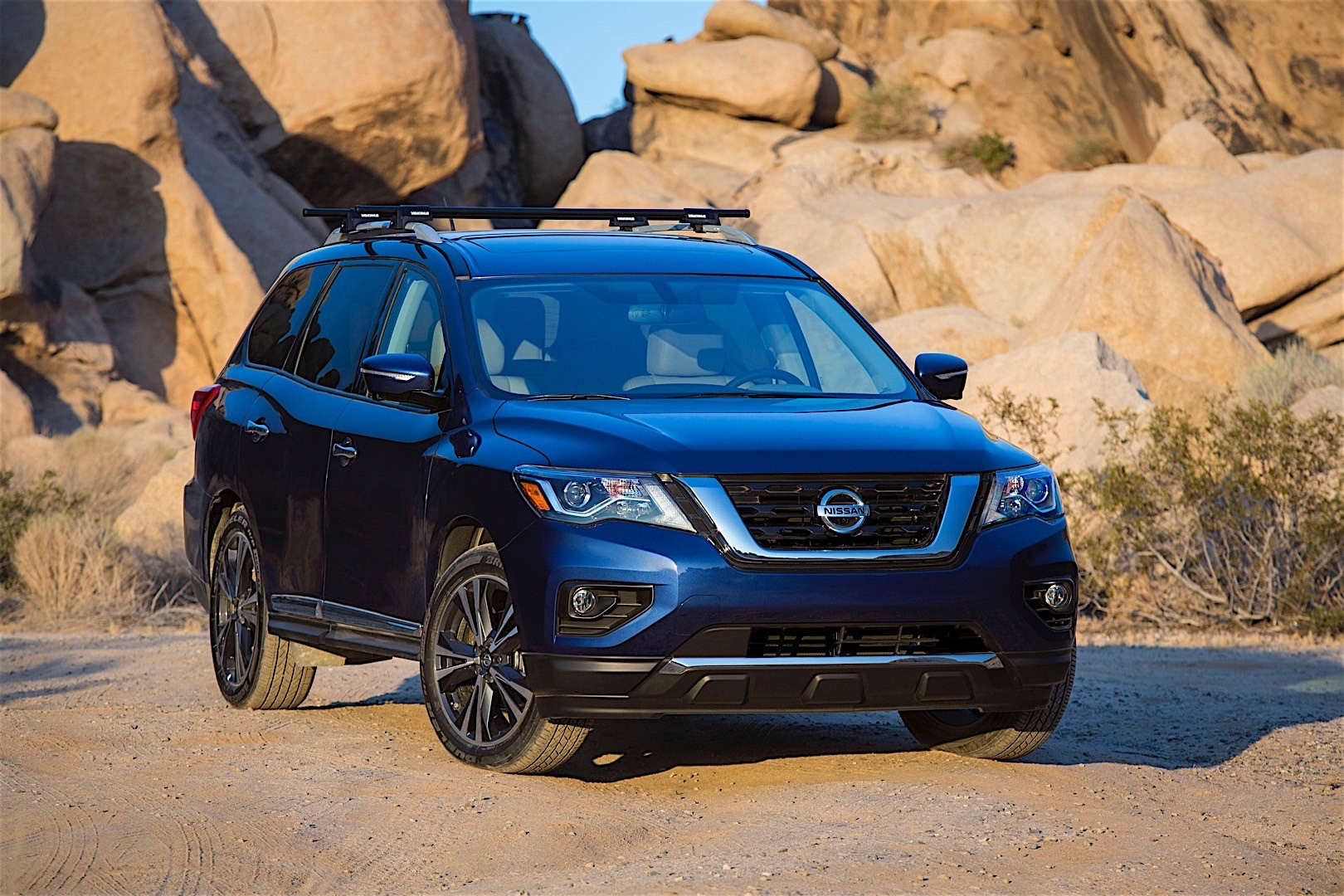 NISSAN Pathfinder specs & photos - 2016, 2017, 2018, 2019 ...