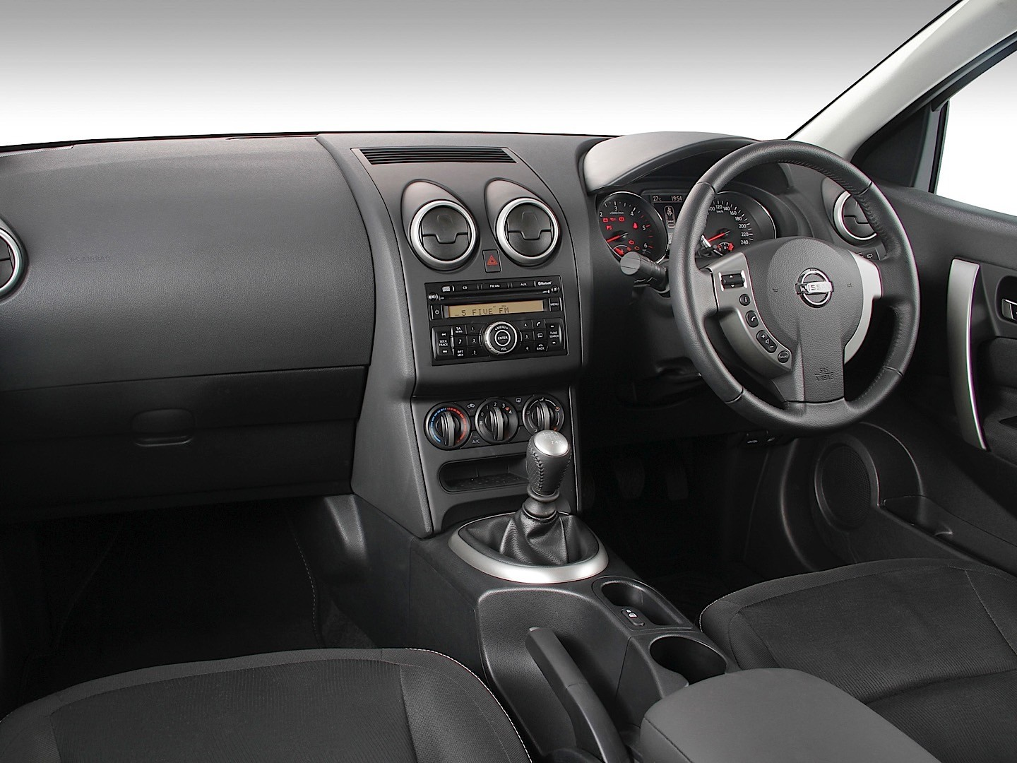 100 nissan qashqai 2013 interior blamethemanual for Interior nissan qashqai