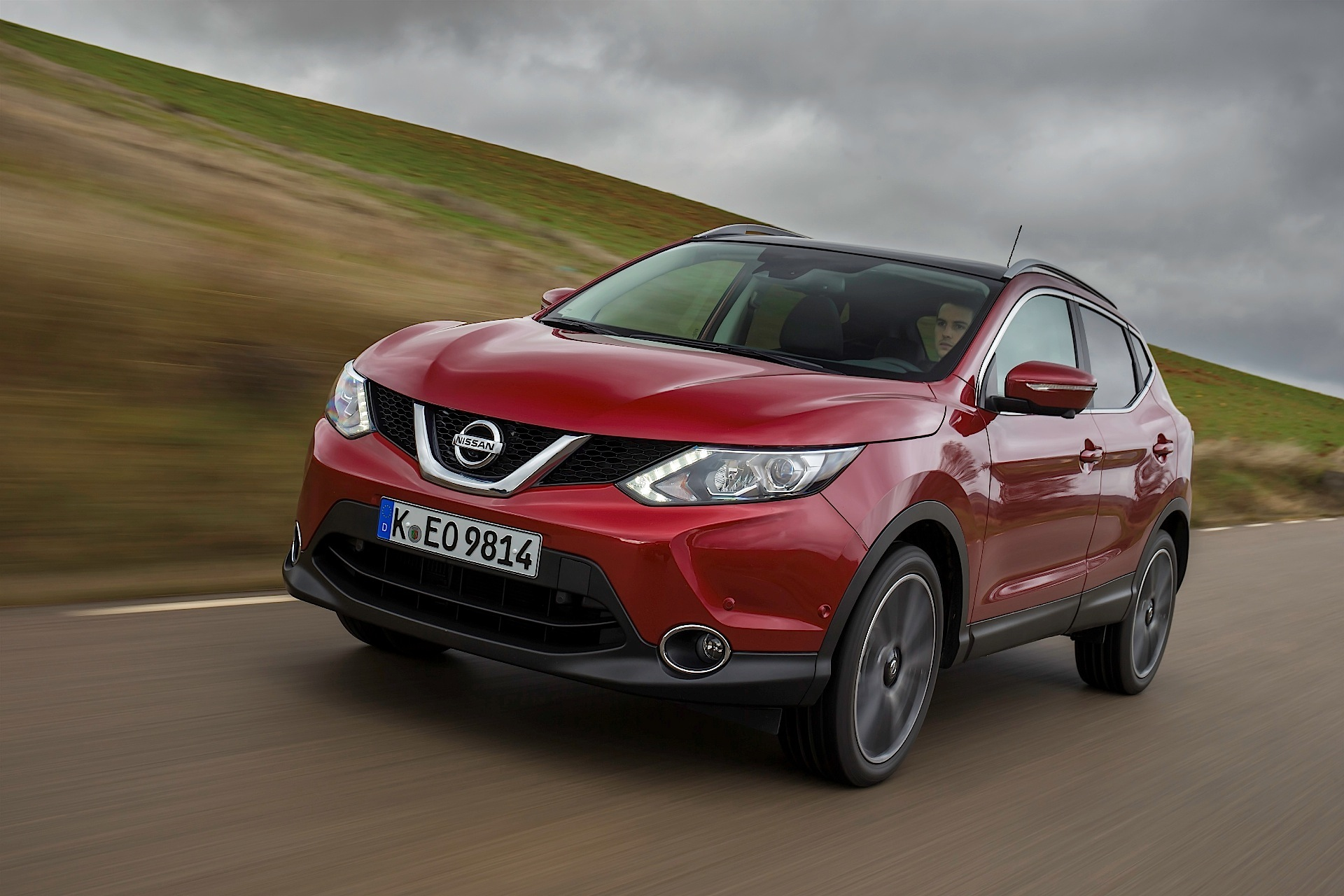 nissan qashqai specs 2013 2014 2015 2016 2017 2018 autoevolution. Black Bedroom Furniture Sets. Home Design Ideas