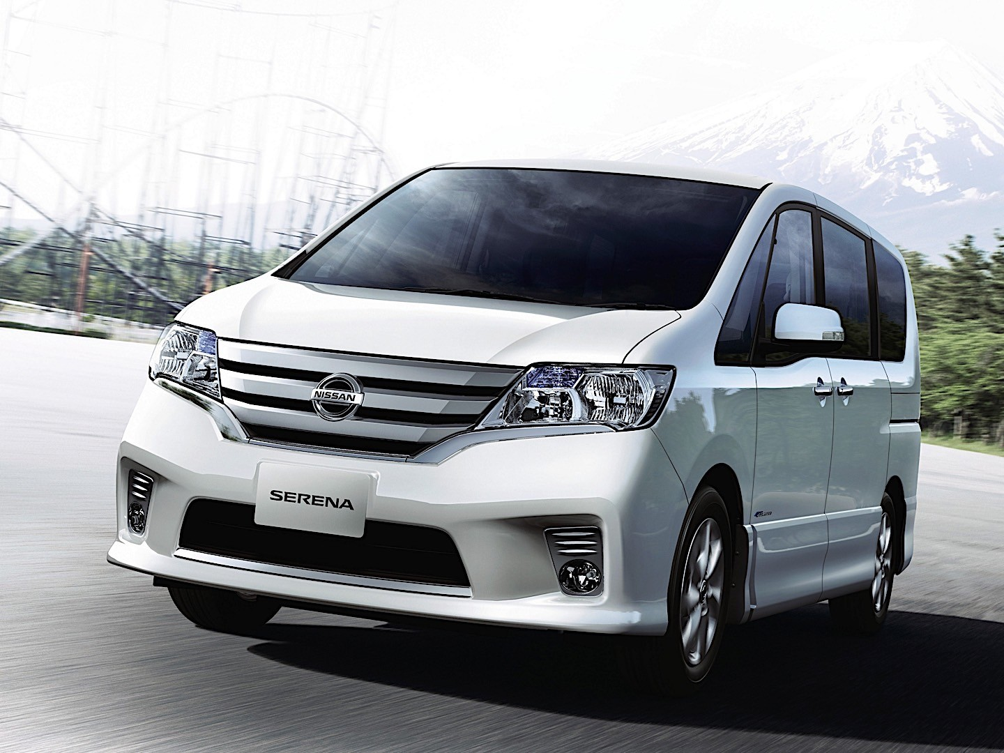 nissan serena specs 2010 2011 2012 2013 2014 2015 2016 autoevolution. Black Bedroom Furniture Sets. Home Design Ideas