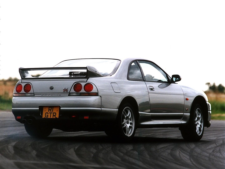 nissan skyline gt r v spec r33 1995 1998