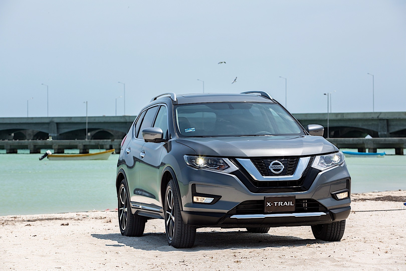 nissan x trail specs photos 2017 2018 autoevolution. Black Bedroom Furniture Sets. Home Design Ideas