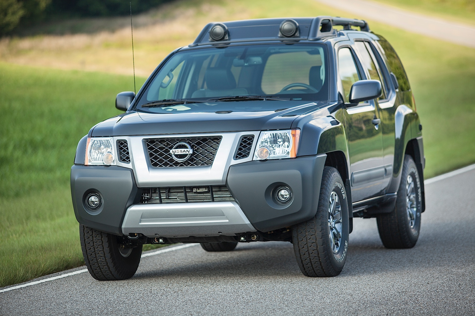 nissan xterra specs 2009 2010 2011 2012 2013 2014 2015 autoevolution. Black Bedroom Furniture Sets. Home Design Ideas