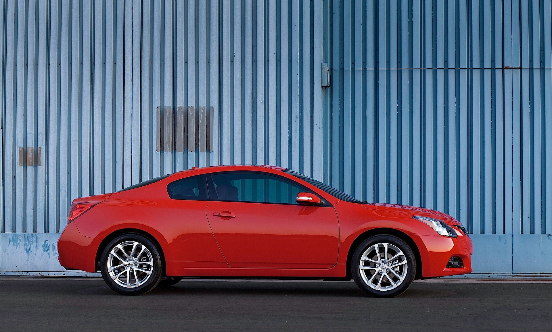 Nissan altima coupe 2014