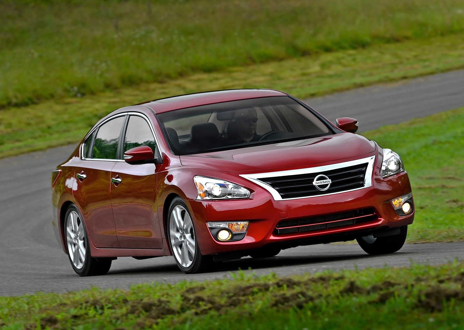 nissan altima sedan cars autoevolution