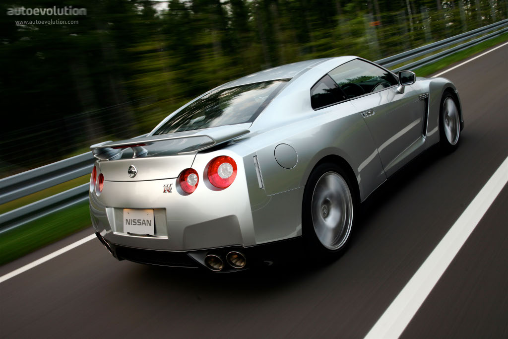 nissan gt r r35 specs photos 2007 2008 2009 2010. Black Bedroom Furniture Sets. Home Design Ideas