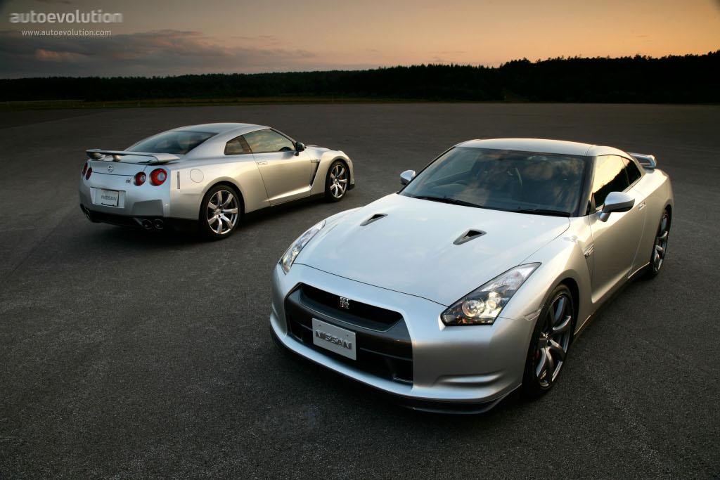 NISSAN GT-R (R35) specs & photos - 2007, 2008, 2009, 2010, 2011 ...
