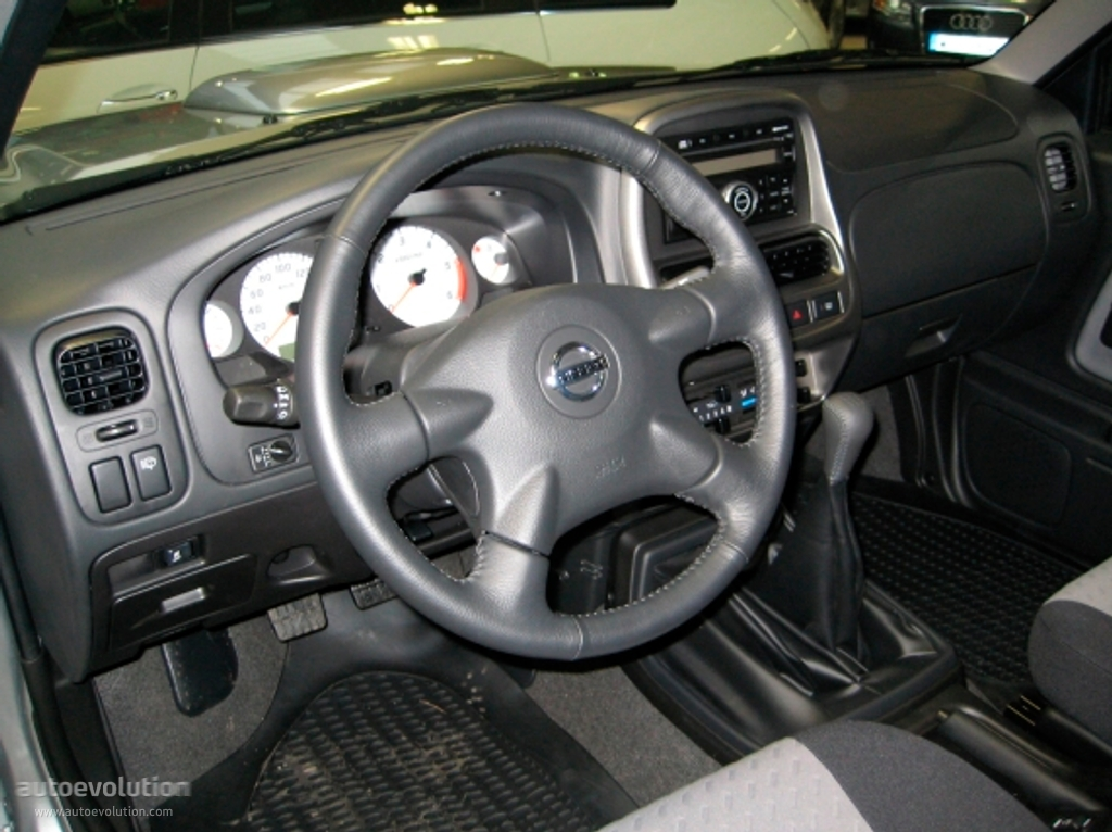 NISSAN NP300 Pickup Double Cab specs & photos - 2008, 2009 ...