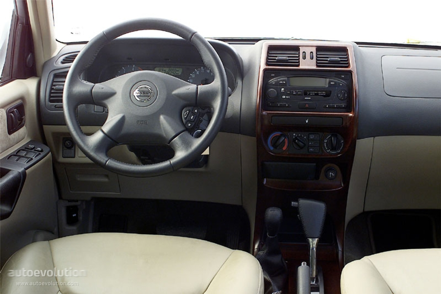 NISSAN Terrano II 5 Doors Photo Gallery #11/7
