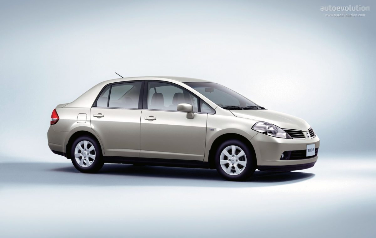 Nissan Tiida Versa Sedan Specs Amp Photos 2006 2007 2008