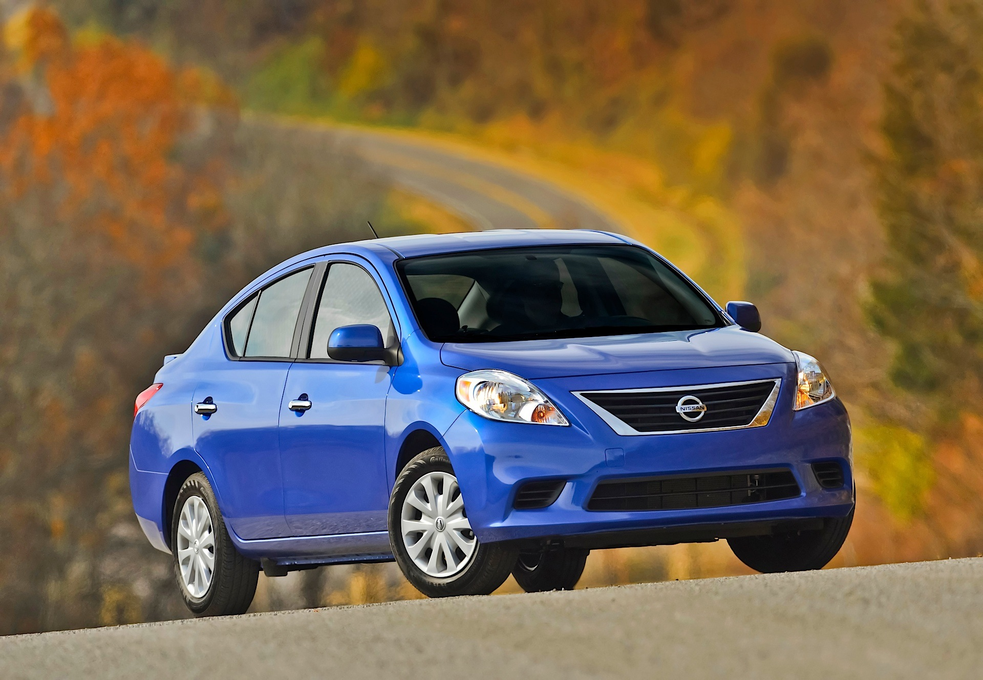 NISSAN Tiida/Versa Sedan specs & photos - 2011, 2012, 2013 ...
