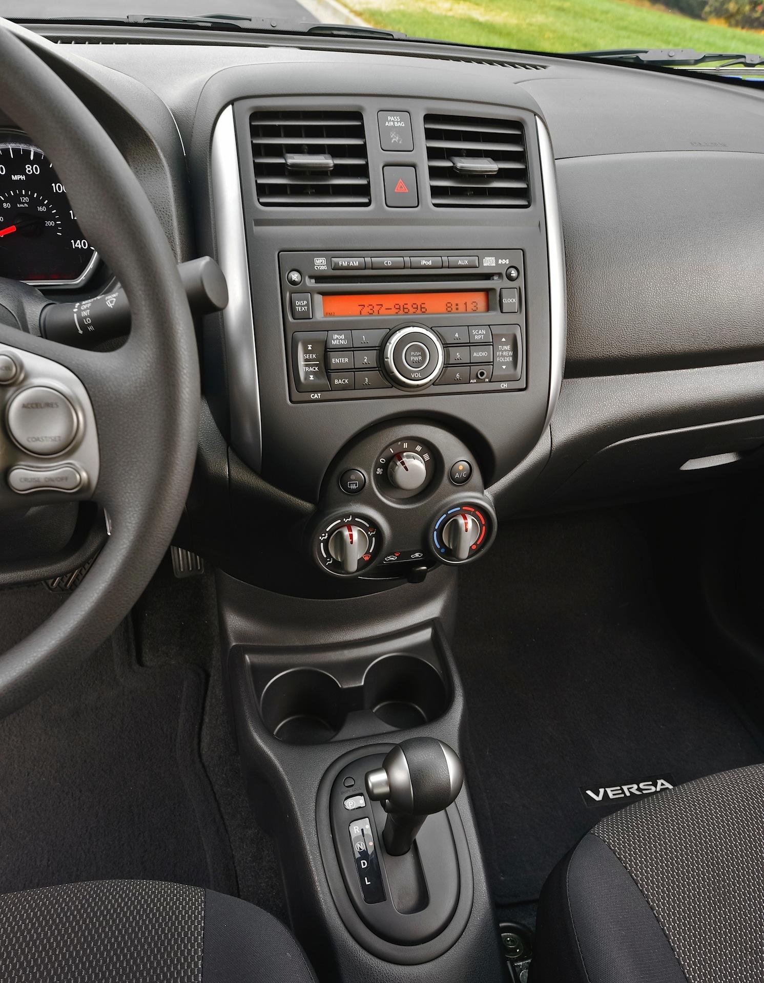 Nissan Tiida Versa Sedan 2011 2012 2013 2014 2015