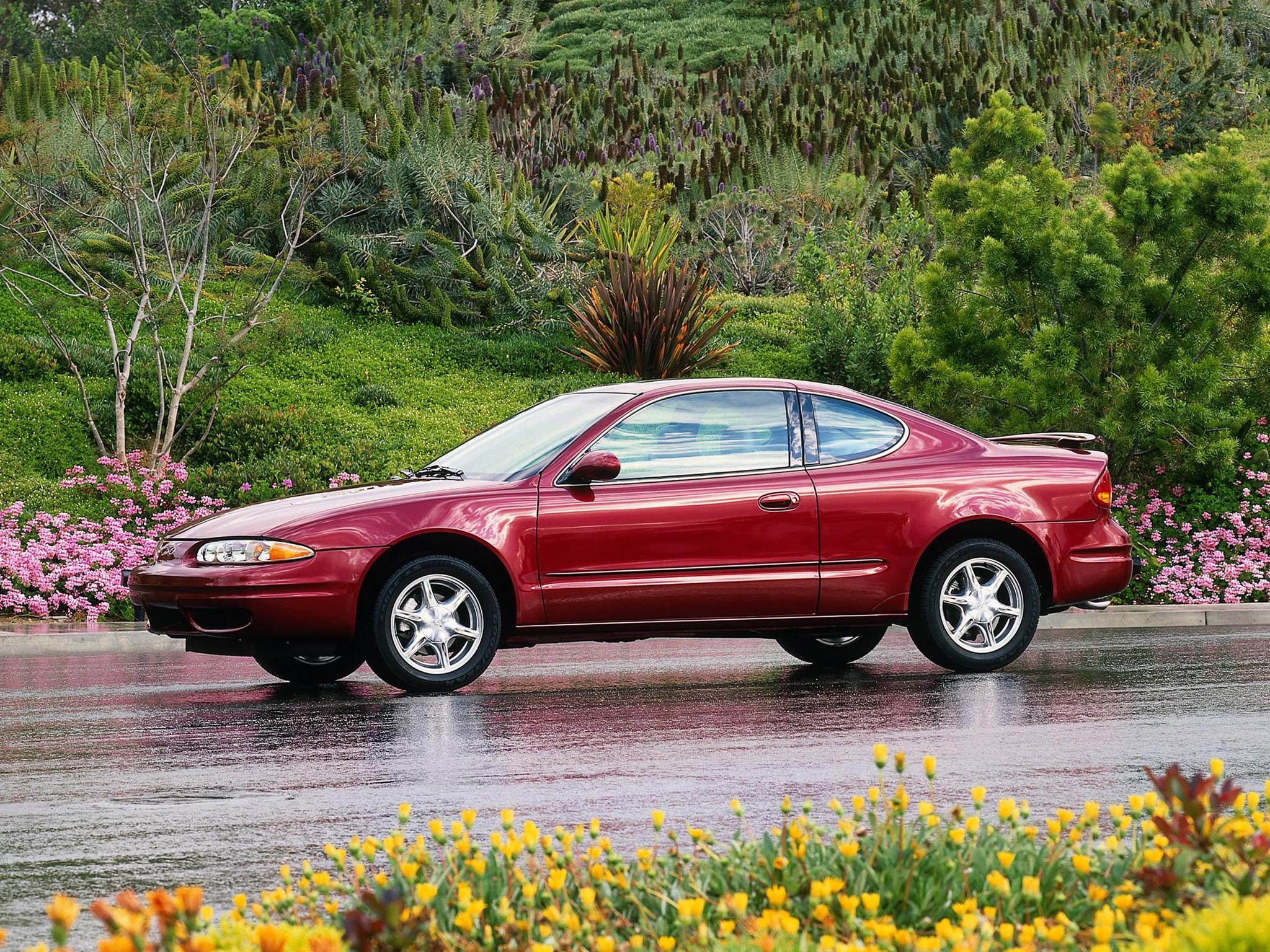 Oldsmobile Alero Coupe Specs  U0026 Photos - 1999  2000  2001  2002  2003  2004
