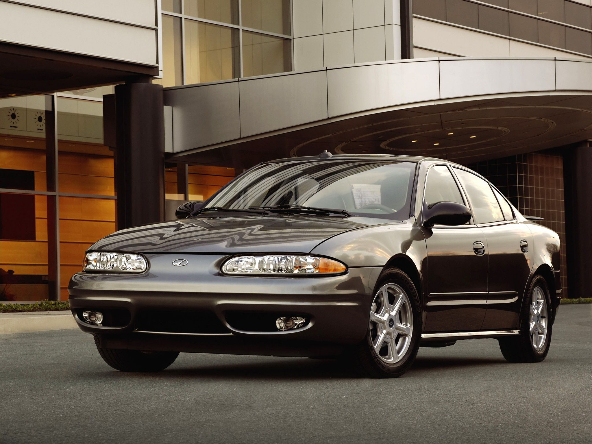 OLDSMOBILE Alero sedan specs & photos - 1999, 2000, 2001 ...