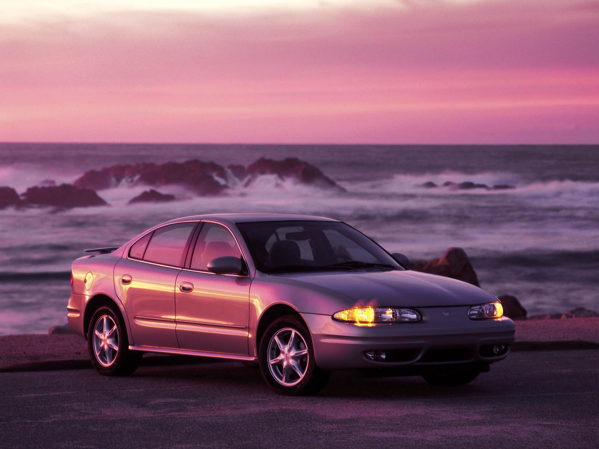 ... OLDSMOBILE Alero sedan (1999 - 2004) ...