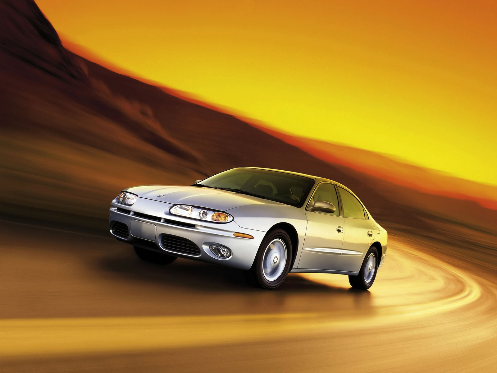Oldsmobile Aurora on 2000 Cadillac V8