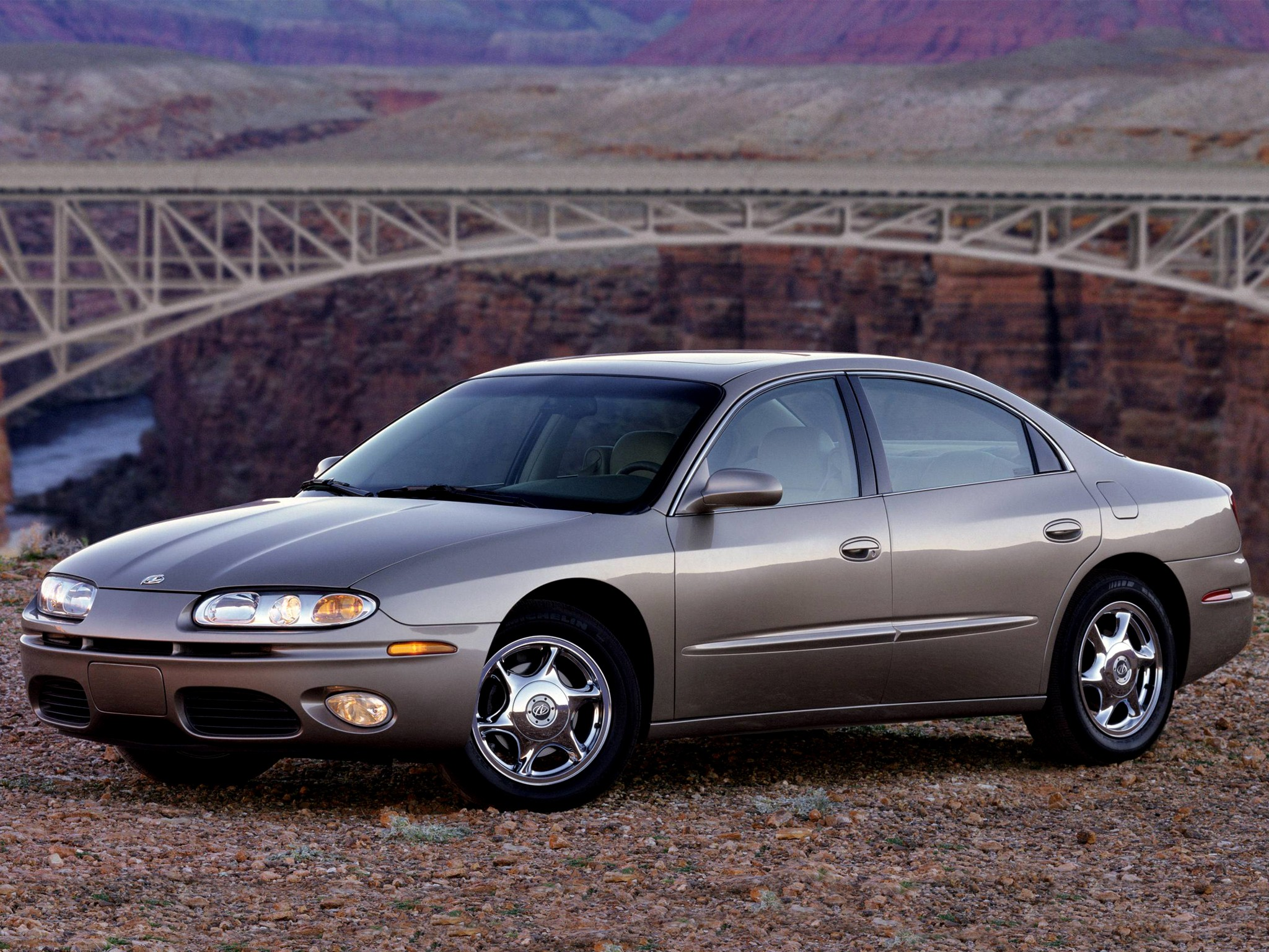 Oldsmobile Aurora 2000 on oldsmobile intrigue 3 5 engine