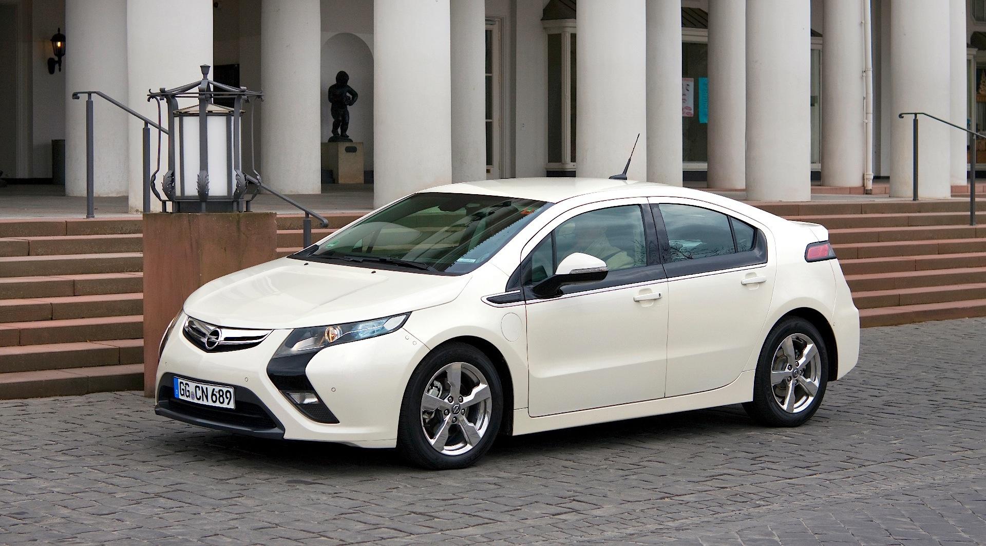 Opel Ampera Lataus