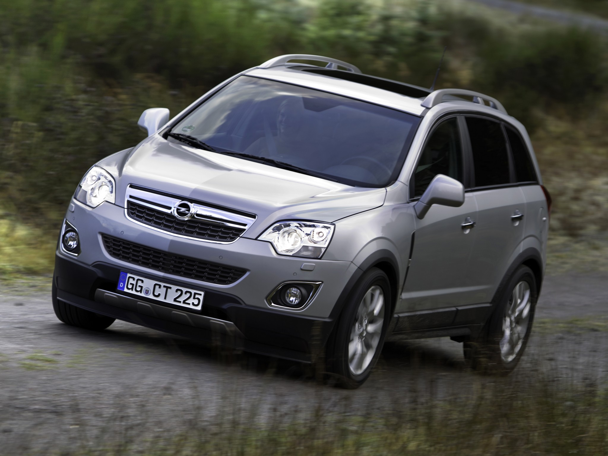 opel antara specs photos 2010 2011 2012 2013 2014 2015 2016 2017 autoevolution. Black Bedroom Furniture Sets. Home Design Ideas