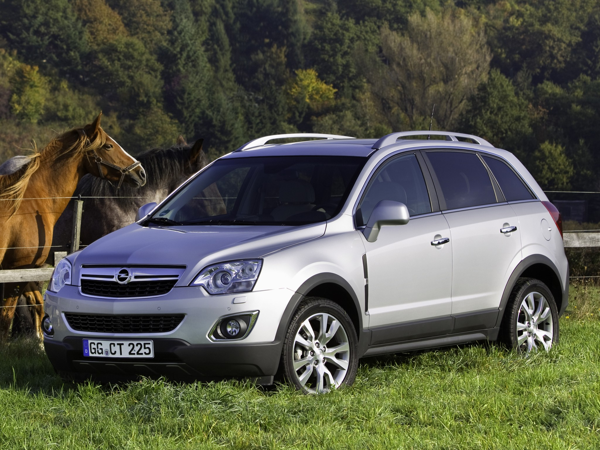 opel antara specs 2010 2011 2012 2013 2014 2015 2016 2017 autoevolution. Black Bedroom Furniture Sets. Home Design Ideas