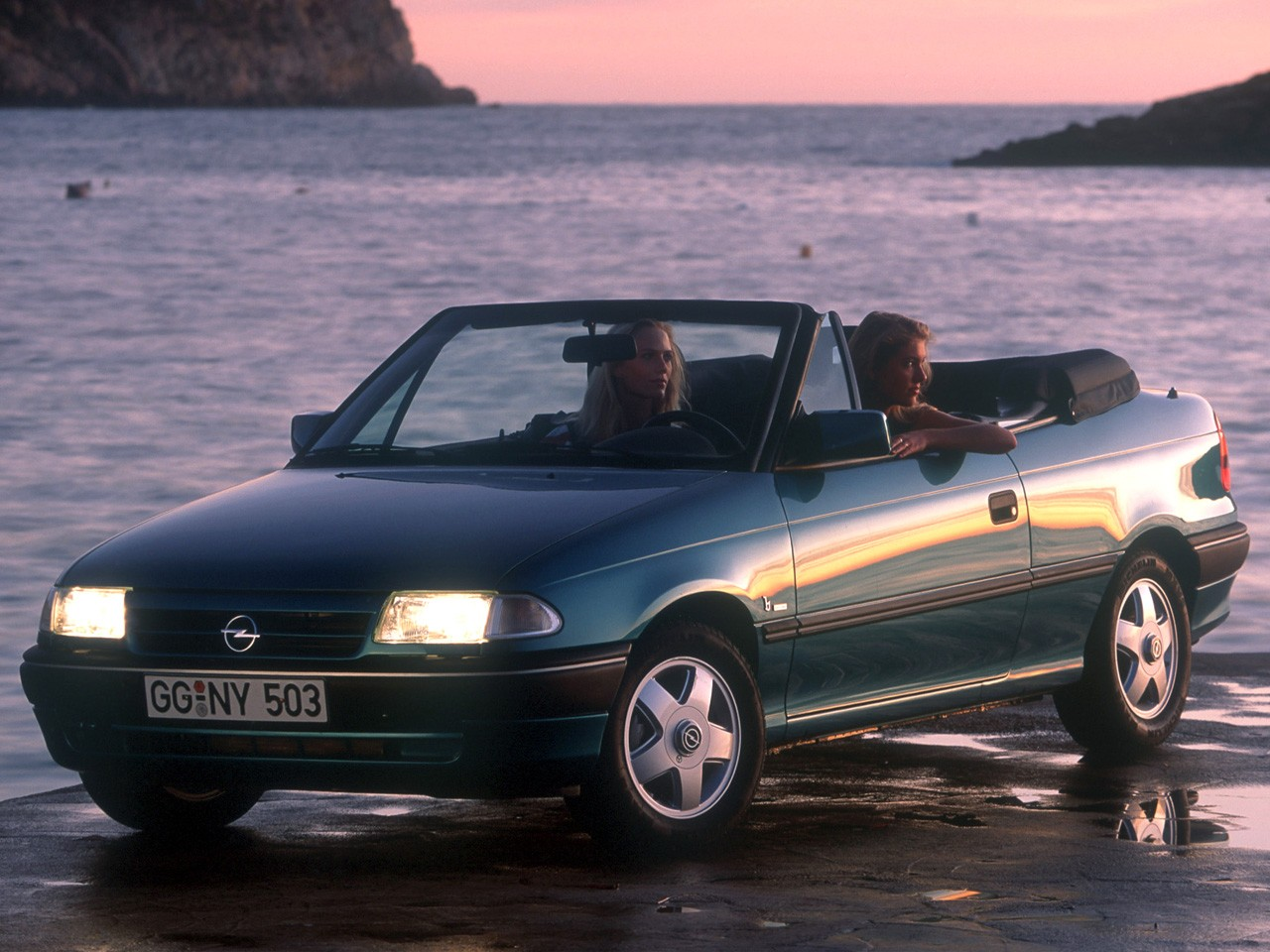 opel astra cabriolet 1993 1994 autoevolution. Black Bedroom Furniture Sets. Home Design Ideas