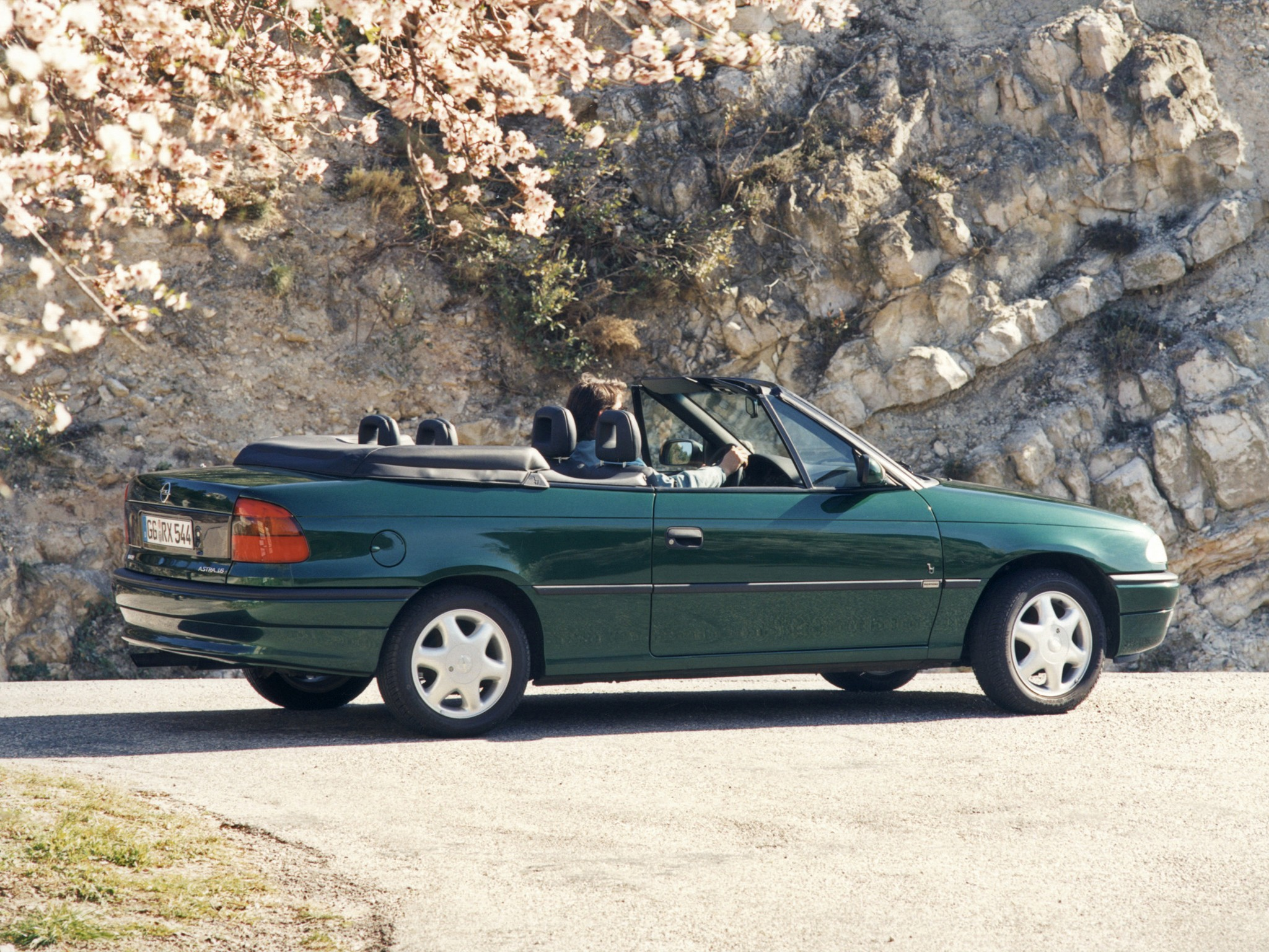 Opel Astra Cabriolet Specs 1995 1996 1997 1998 1999