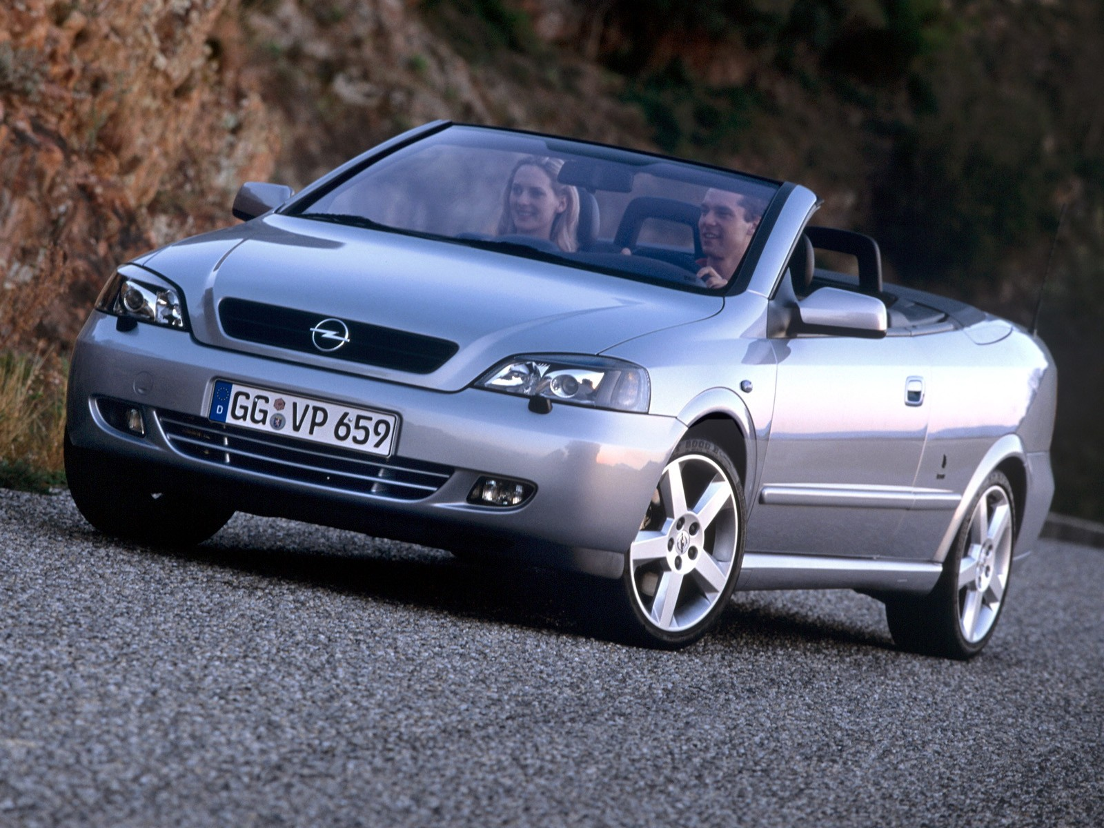opel astra cabriolet specs photos 2001 2002 2003 2004 2005 2006 autoevolution. Black Bedroom Furniture Sets. Home Design Ideas