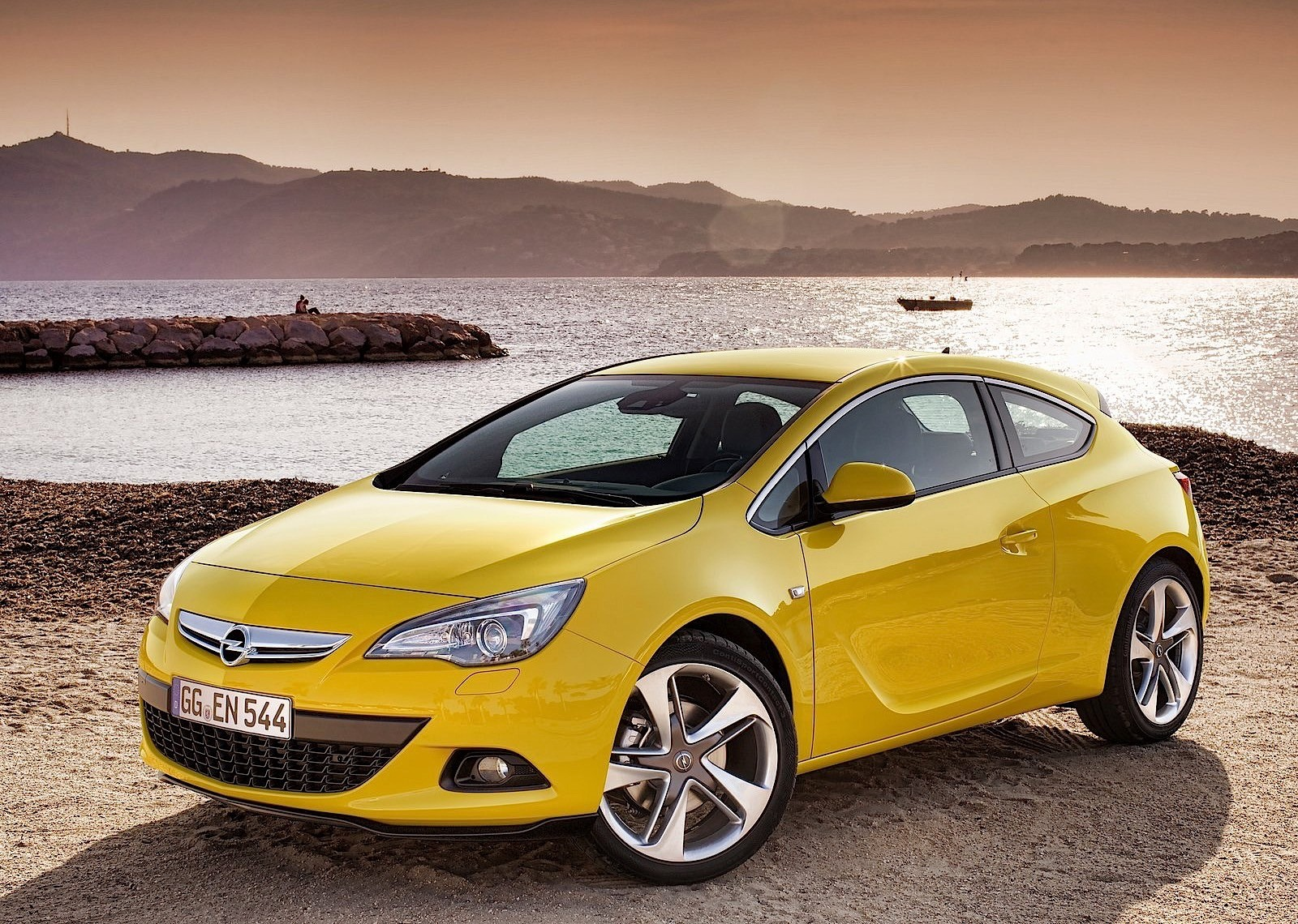 opel astra gtc specs 2011 2012 2013 2014 2015 2016 2017 2018 autoevolution. Black Bedroom Furniture Sets. Home Design Ideas