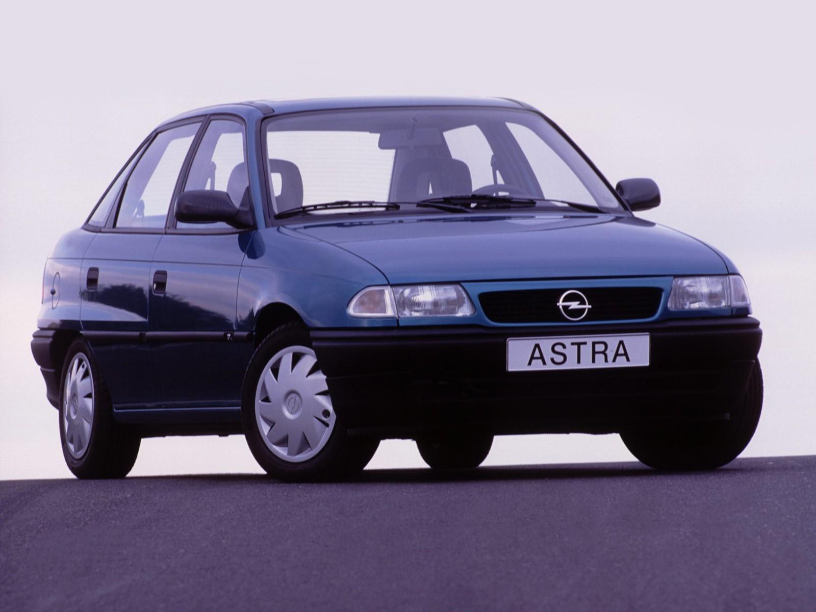 opel astra sedan 1994 1995 1996 1997 1998 autoevolution. Black Bedroom Furniture Sets. Home Design Ideas