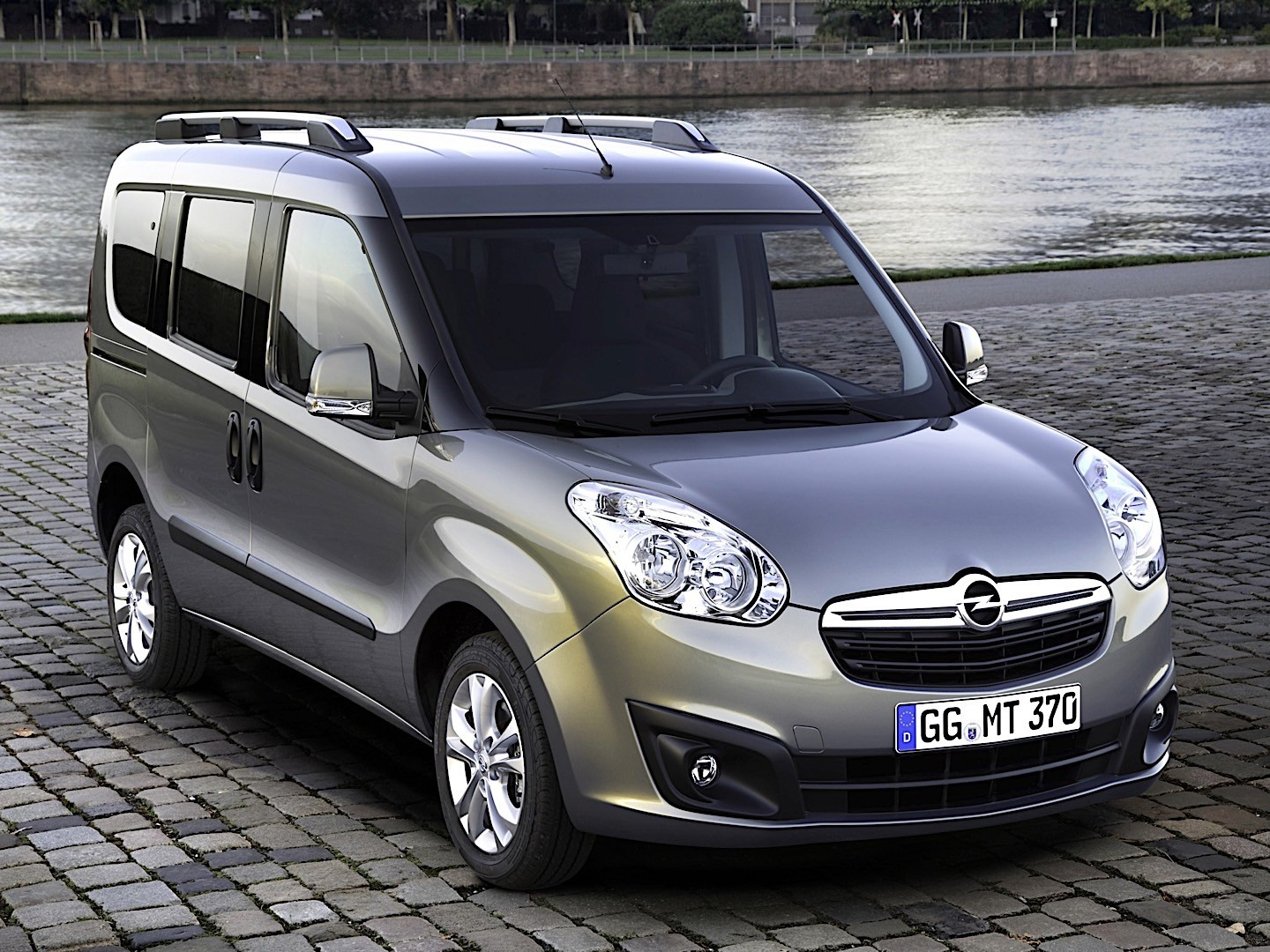 opel combo specs photos 2011 2012 2013 2014 2015 2016 2017 2018 autoevolution. Black Bedroom Furniture Sets. Home Design Ideas