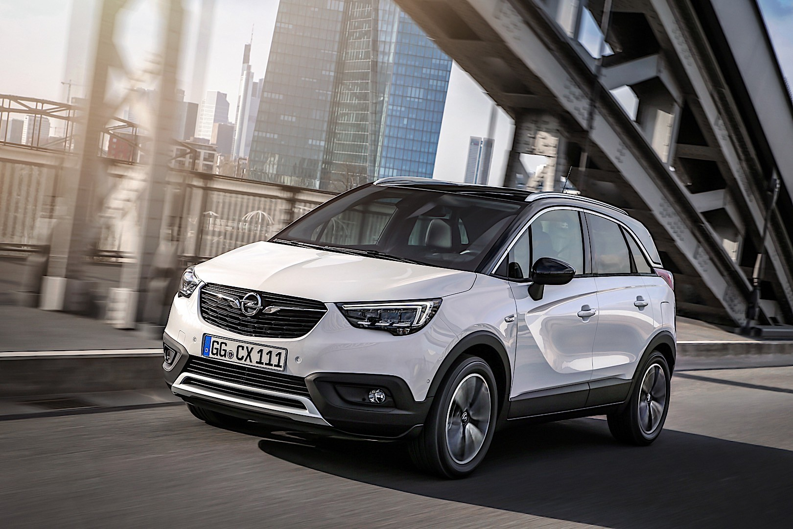 Opel Crossland X Specs Amp Photos 2017 2018 2019