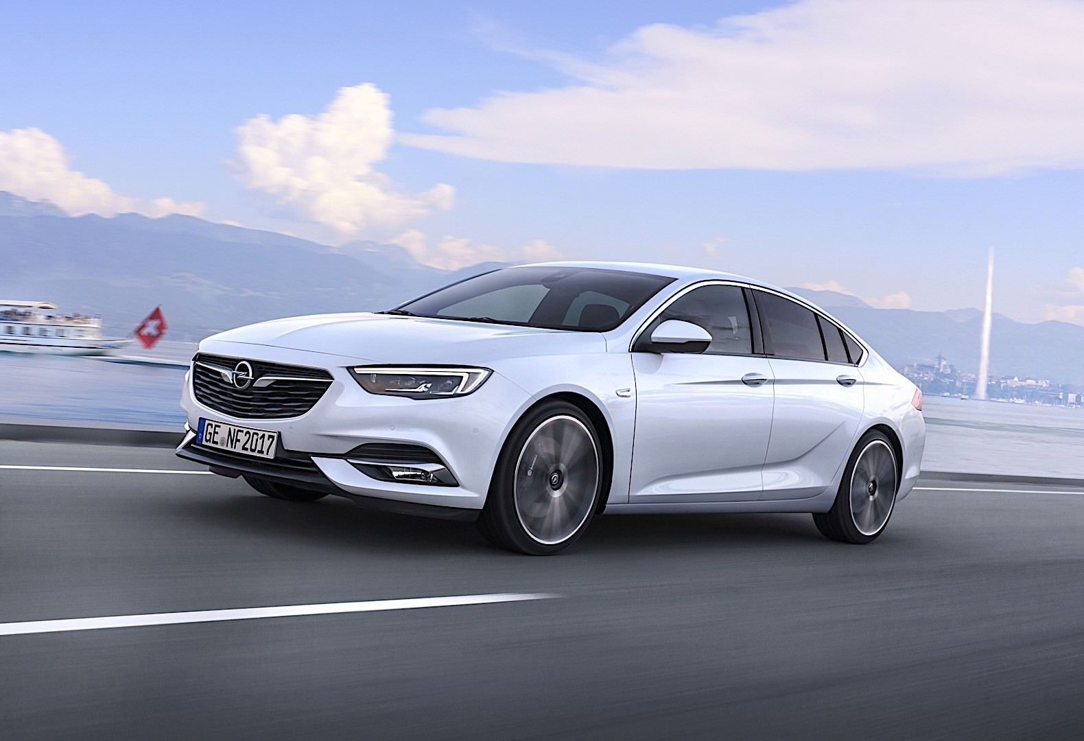 opel insignia grand sport specs 2017 2018 autoevolution. Black Bedroom Furniture Sets. Home Design Ideas