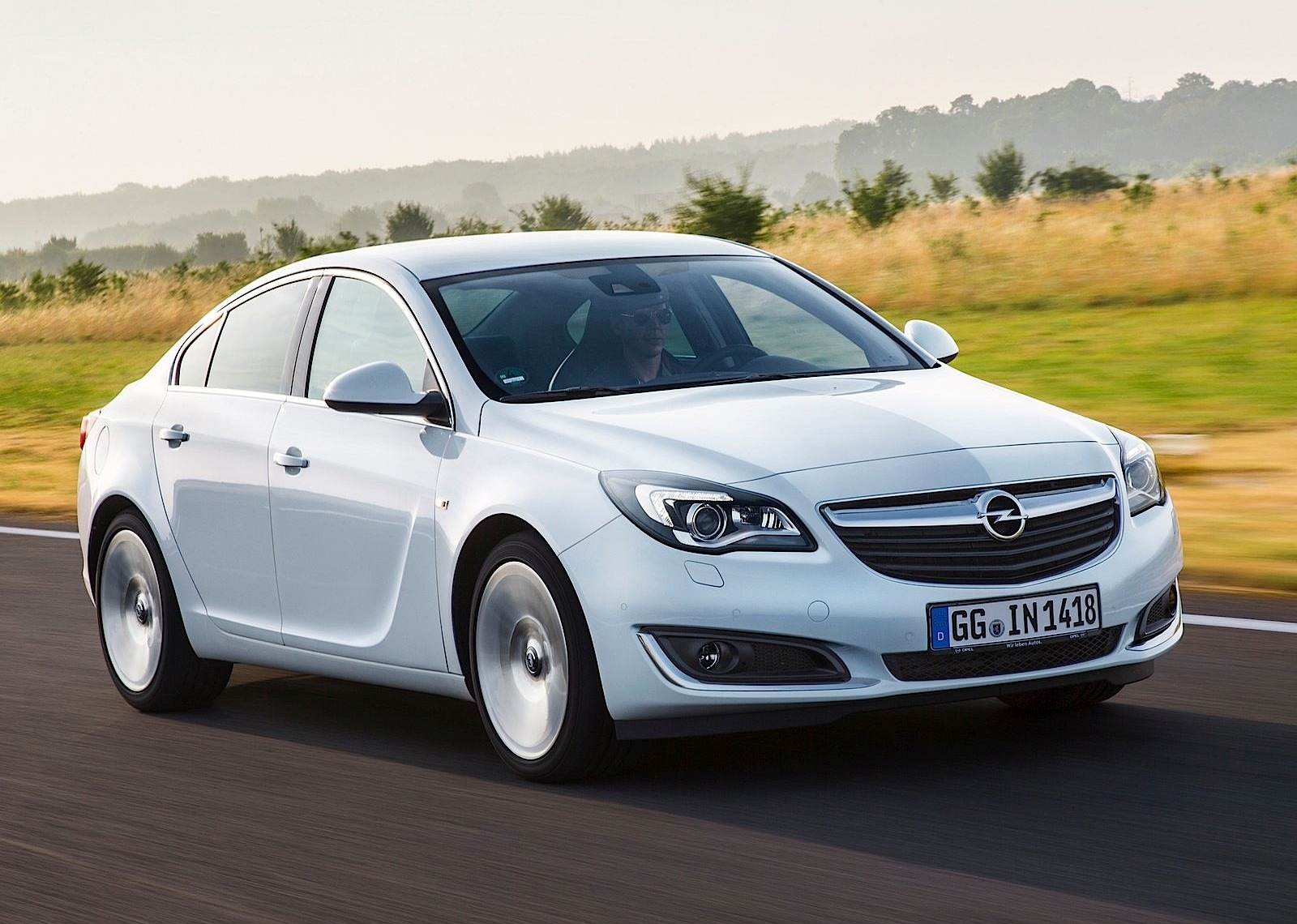 Opel Insignia Sedan Specs Photos 2013 2014 2015 2016 2017 Autoevolution