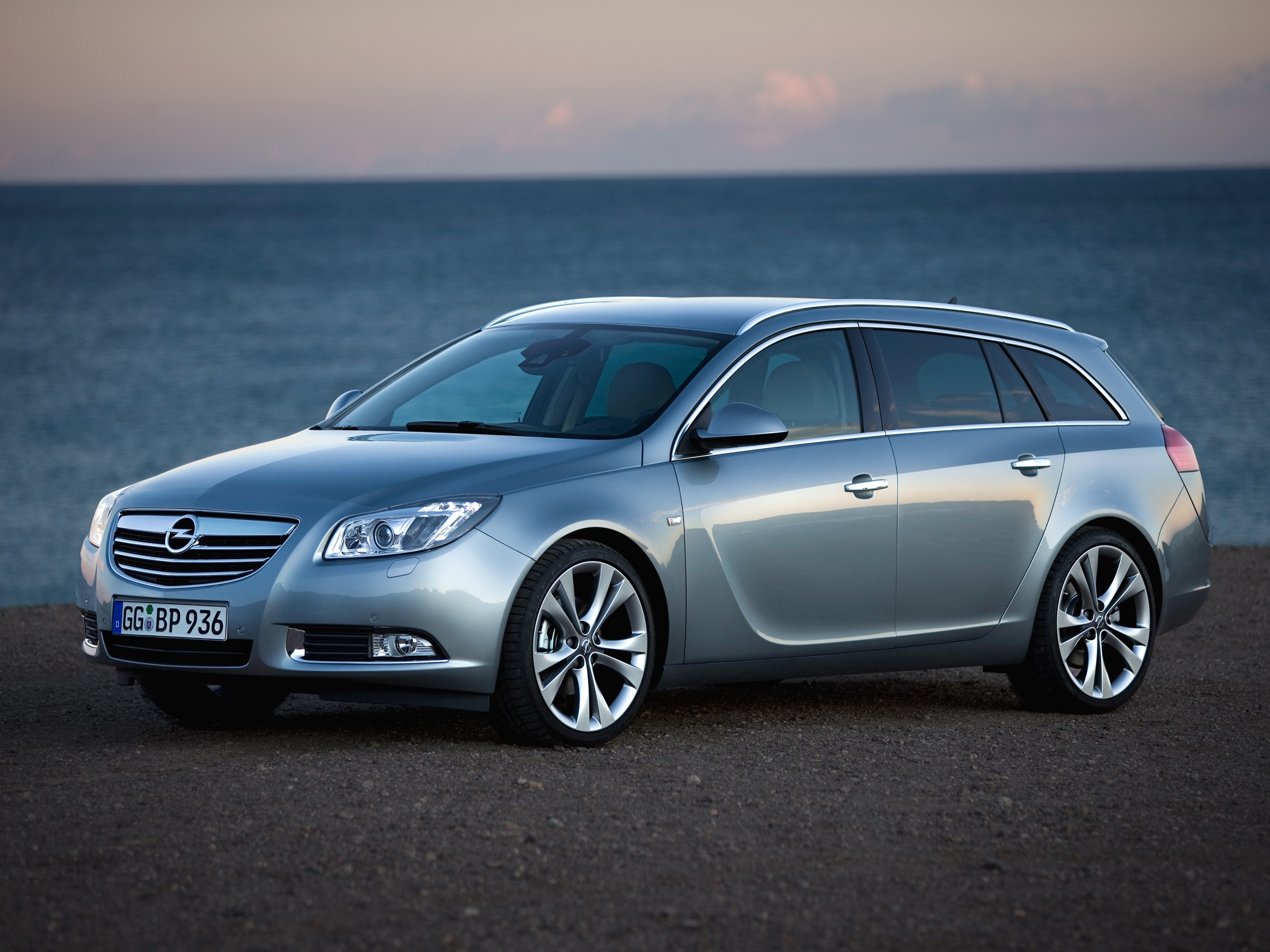 opel insignia sports tourer 2009 2010 2011 2012 2013 autoevolution. Black Bedroom Furniture Sets. Home Design Ideas