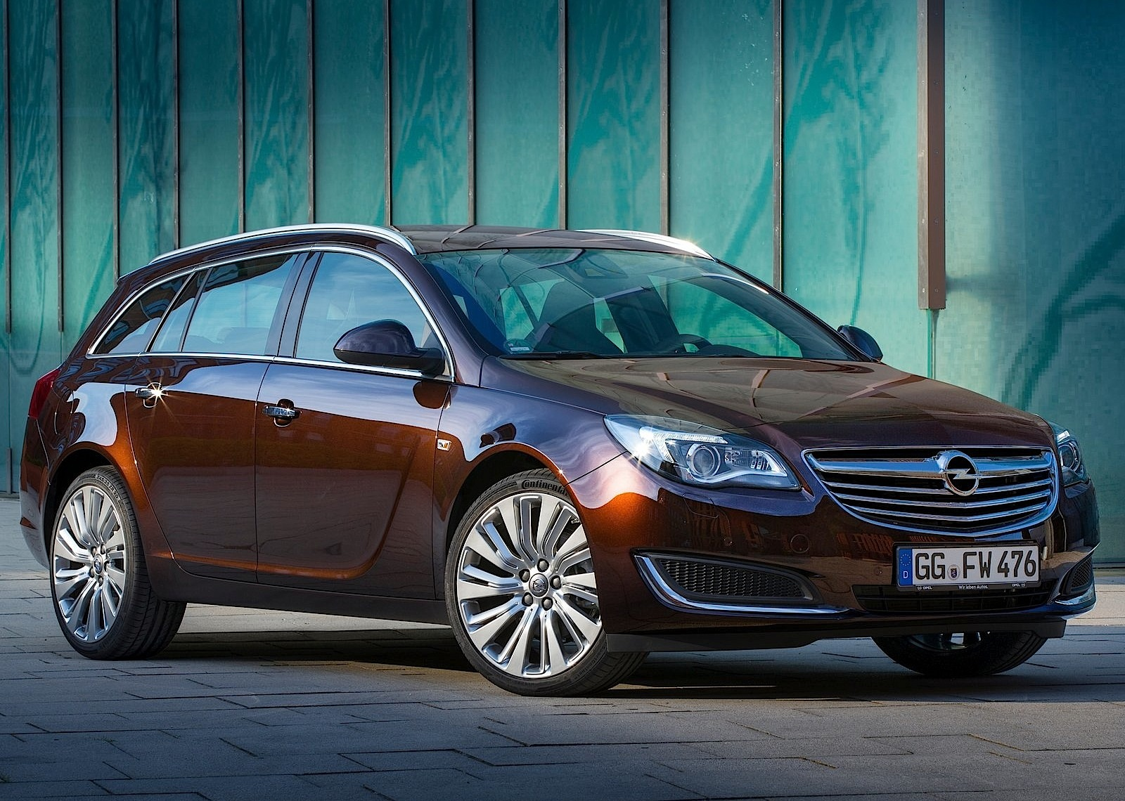 Opel Insignia Sports Tourer Specs  U0026 Photos