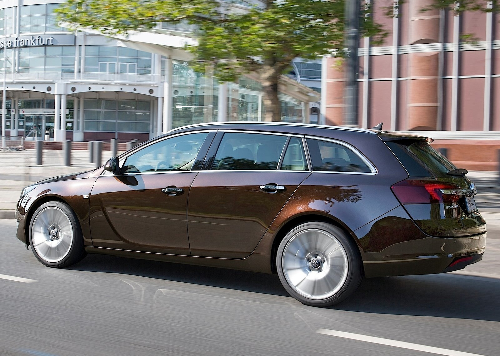 opel insignia sports tourer specs photos 2013 2014. Black Bedroom Furniture Sets. Home Design Ideas