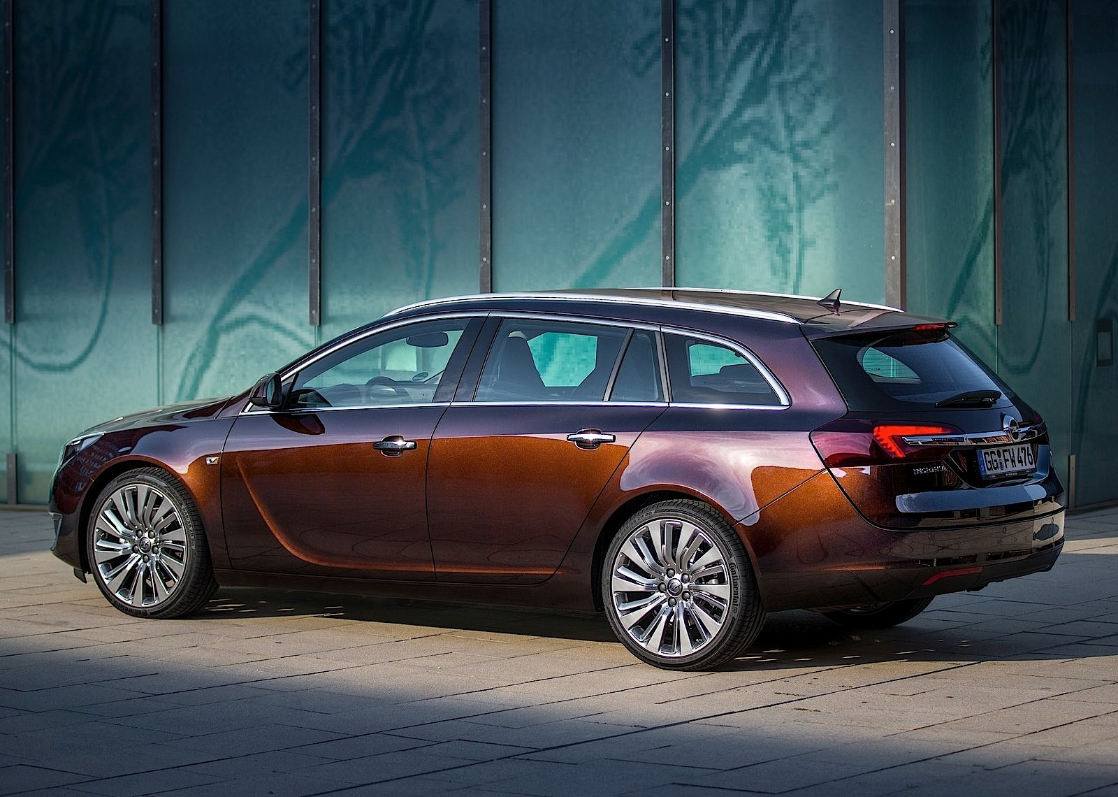 opel insignia sports tourer specs photos 2013 2014 2015 2016 2017 autoevolution. Black Bedroom Furniture Sets. Home Design Ideas