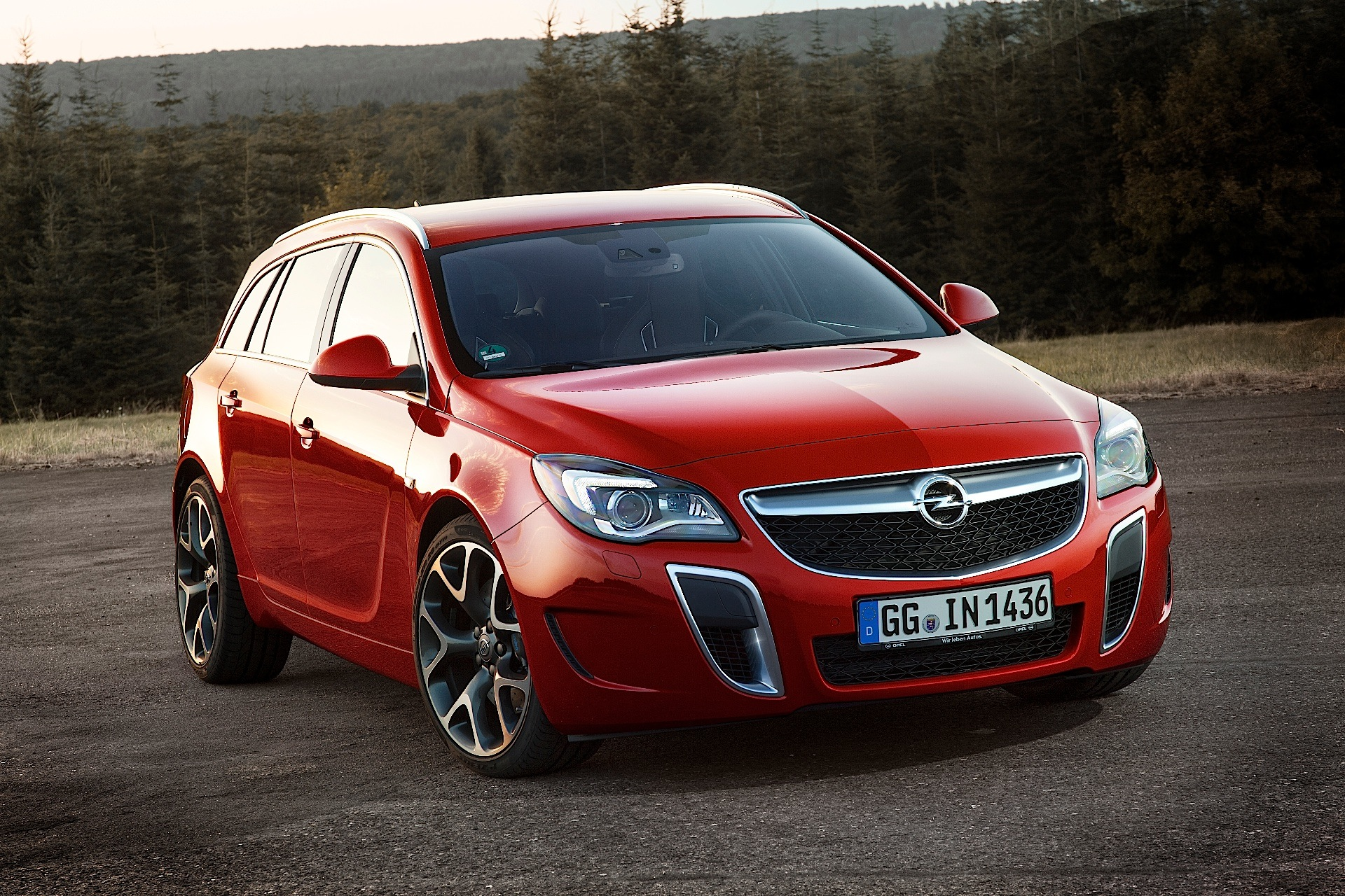 opel insignia sports tourer opc specs 2013 2014 2015 2016 2017 2018 autoevolution. Black Bedroom Furniture Sets. Home Design Ideas
