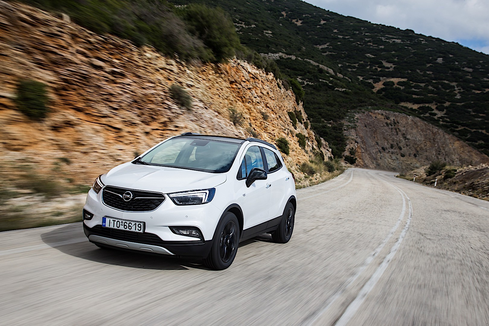 opel mokka x specs photos 2016 2017 2018 autoevolution. Black Bedroom Furniture Sets. Home Design Ideas