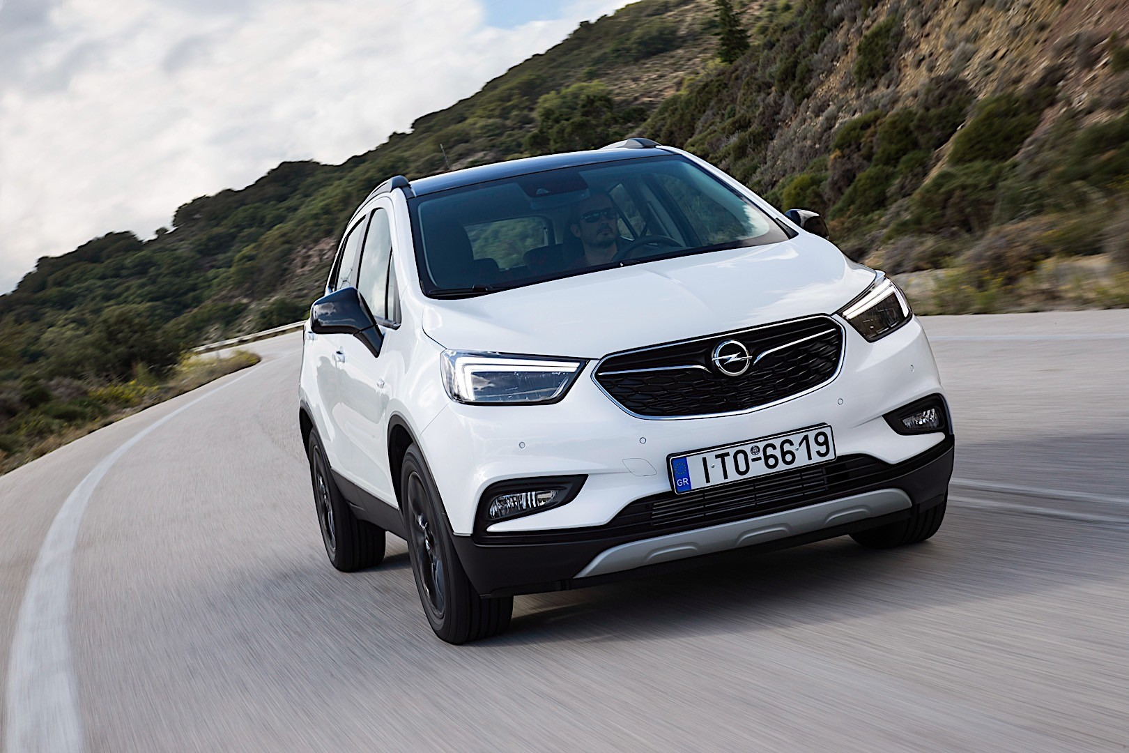 opel mokka x specs 2016 2017 2018 autoevolution. Black Bedroom Furniture Sets. Home Design Ideas