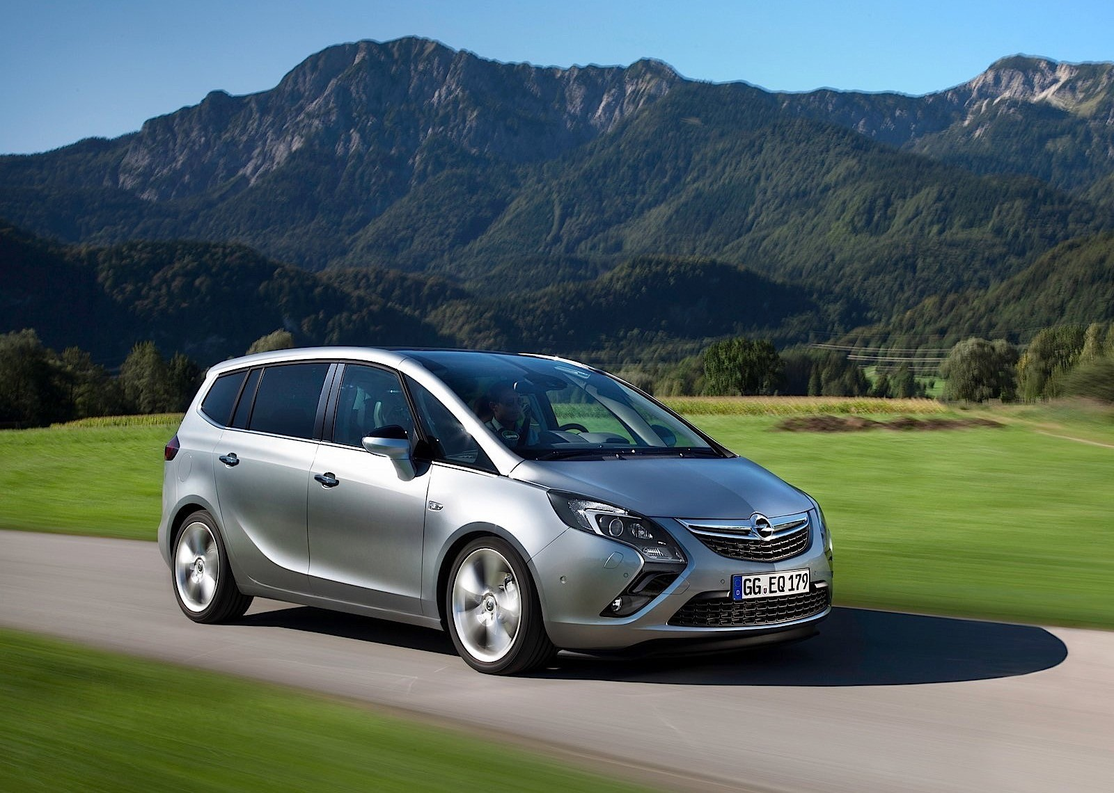 opel zafira tourer specs 2011 2012 2013 2014 2015 2016 autoevolution. Black Bedroom Furniture Sets. Home Design Ideas